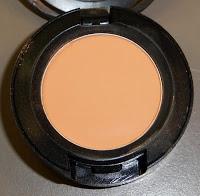 Виды теней для век от MAC - велюксовые тени MAC Samoa Silk