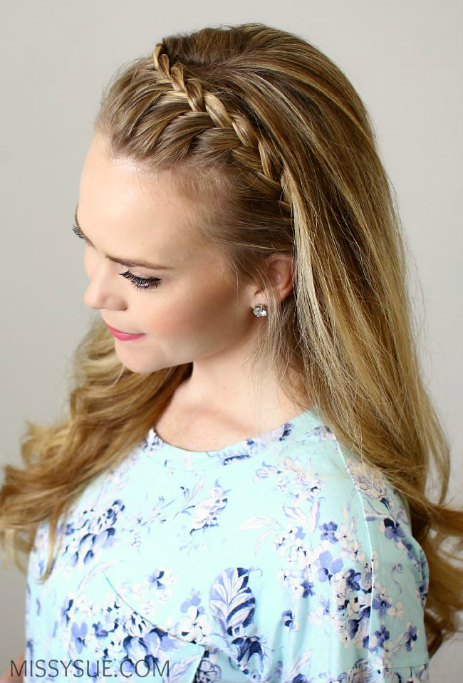 Причёска с обручем из косичек