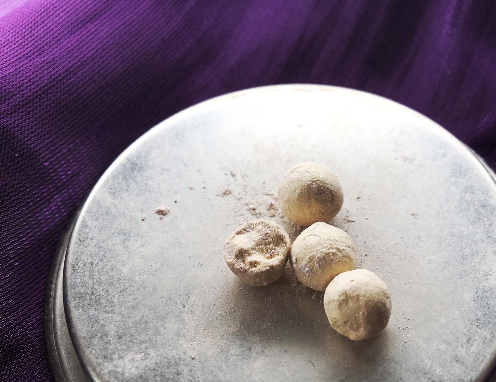 Guerlain Meteorites Perles - желтый оттенок