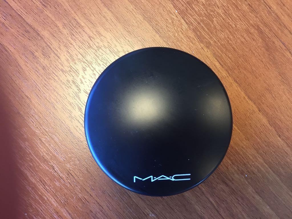 Пудра MAC Mineralize Skinfinish Natural - фото упаковки