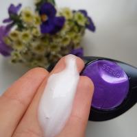 TRESemme Repair & Protect Восстанавливающий шампунь - консистенция
