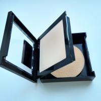 Пудра Maybelline Fit Me 104 Cветло-бежевый - состав упаковки, зеркало, спонж